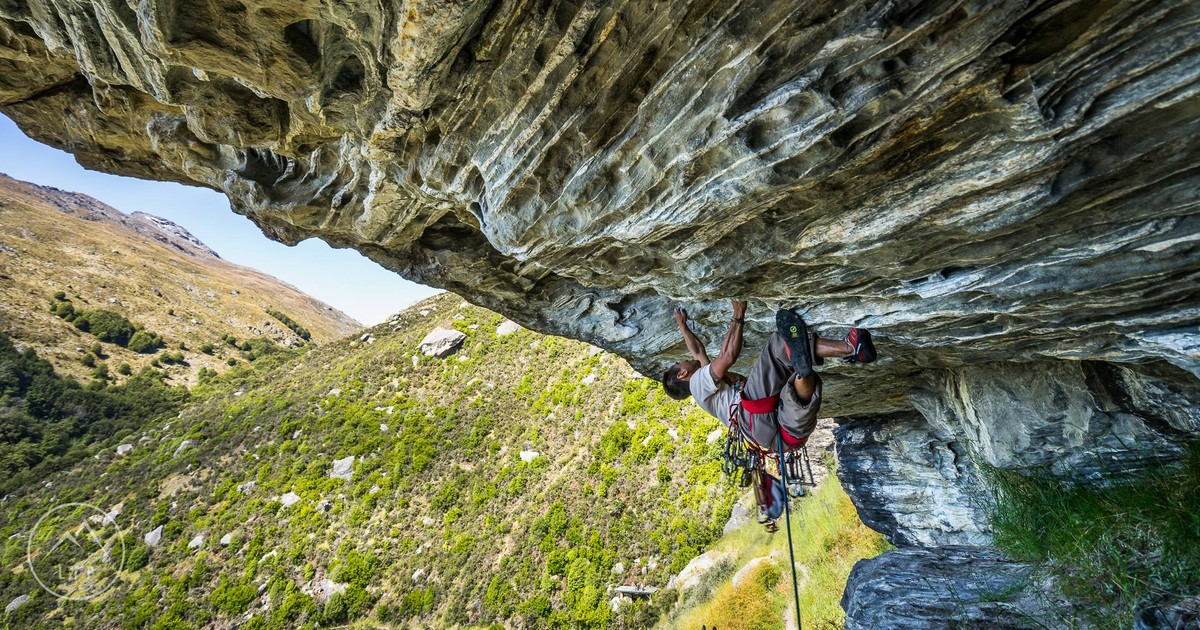 new zealand rock climbing guide